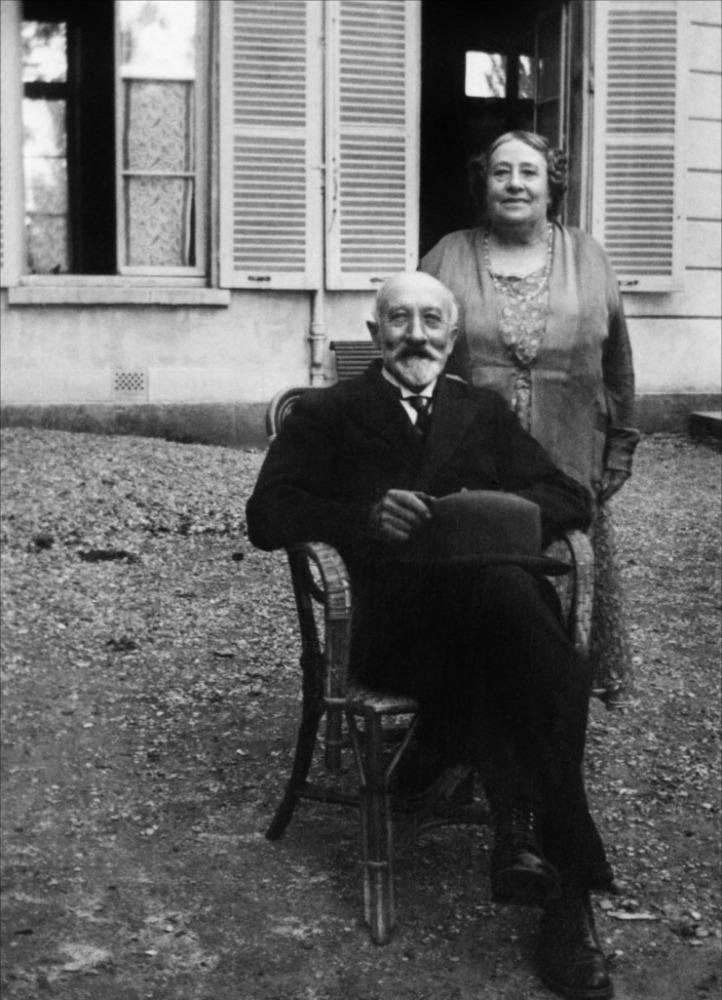Georges Méliès et Jehanne d'Alcy au chateau d'Orly, à partir de 1932