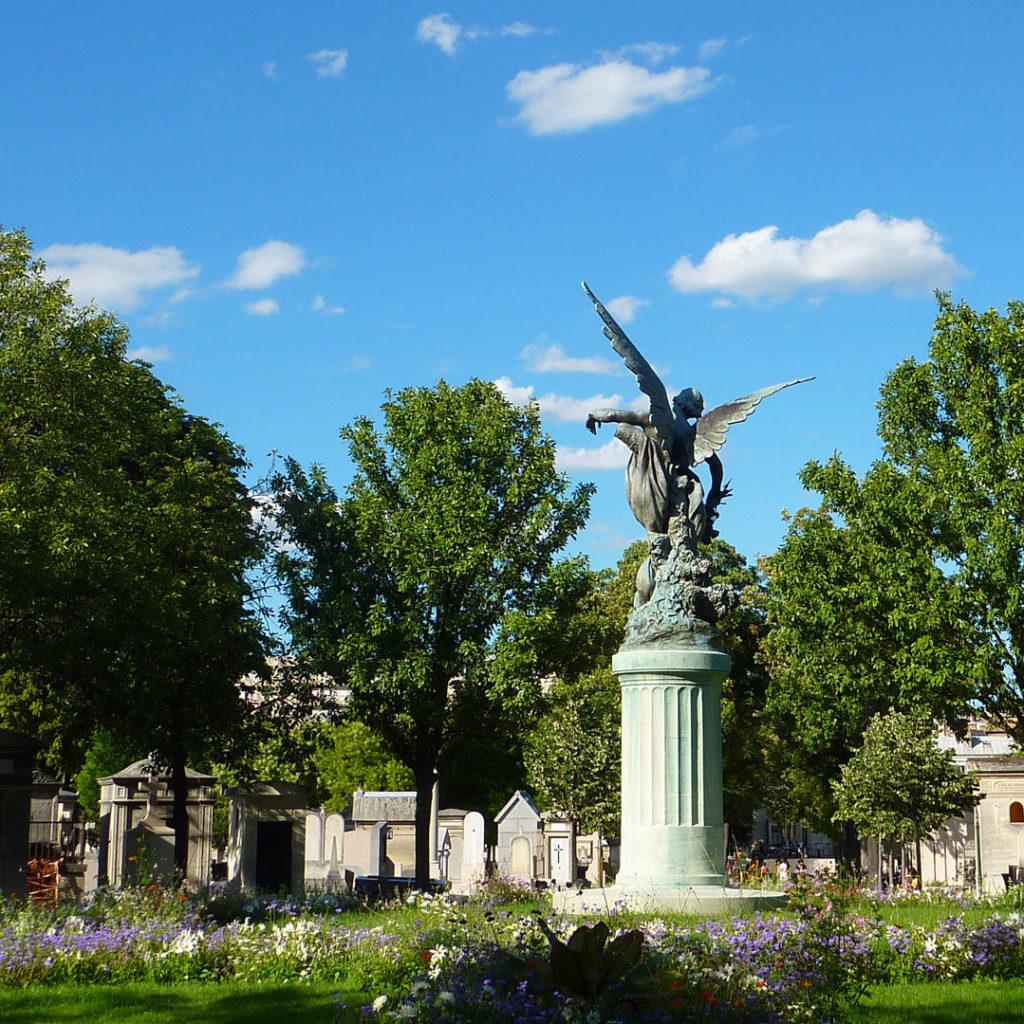 Place centrale du cimetière du Montparnasse